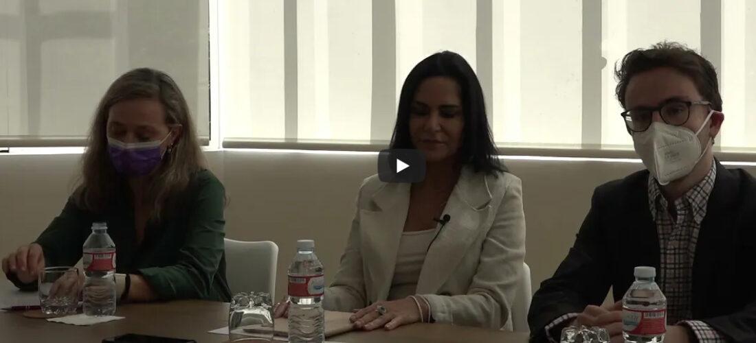 La periodista y activista mexicana Lydia Cacho ofreció una rueda de prensa para contar su caso en su lucha contra la trata de mujeres